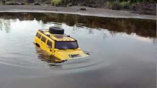 RC TRAIL HUMMER H2 GOING DEEP & FLIGHT BIG LAMA OVER WATER