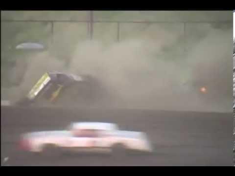 Racing Car Crash - dirt track wreck street stock race car crash gallatin speedway - FREMA VIDEOS