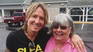 Woman Helps Man Short On Cash, Finds Out Hes Keith Urban