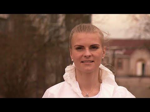 В Новгородской области пациентов на коронавирус тестирует девушка, которая переехала из Испании.