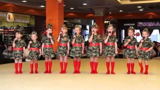 9 мая 2015, младшая вокальная группа, Идет солдат по городу