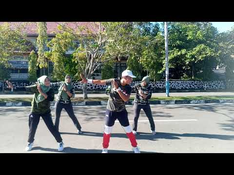 Senam Dangdut SELOW Cover Song By Via Vallen