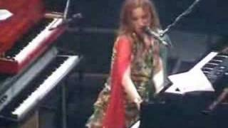 Tori Amos -  Caught A Lite Sneeze Live
