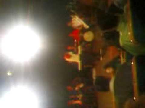 leonard canta cu orchestra lui Bursuc