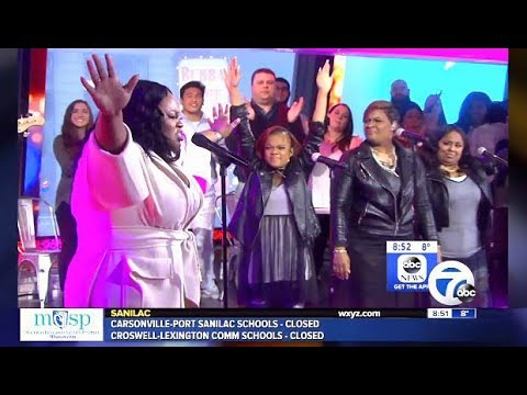 "Tasha Cobbs Leonard Performs ""Im Getting Ready"" (GMA)"