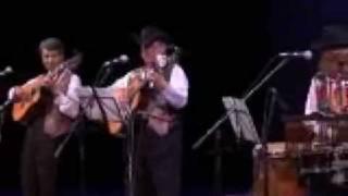 紫陽花コンサート第一部より、「サクラ・サクラ」です。 演奏は、トリオ...