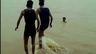 Funny  video in village stupid boy,s