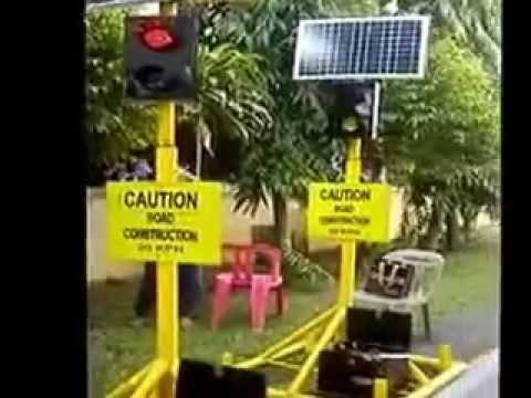 Portable Solar Powered Traffic Light System