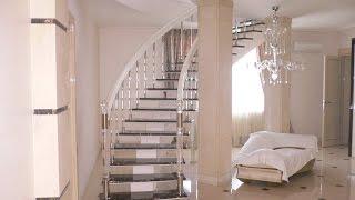 Современные лестницы с перилами из стекла(В последнее время все более популярными становятся ограждения из стекла. При внешней хрупкости и простоте,..., 2015-10-22T20:09:41.000Z)