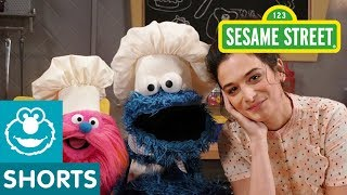 Sesame Street: Making Fruit Sushi with Jenny Slate | Cookie Monster's Foodie Truck