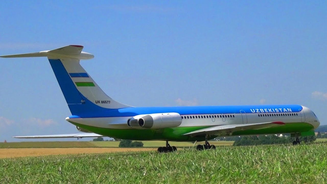 Large Ilyushin IL-62 RC Turbine Airliner Emergency Landing Gear in it