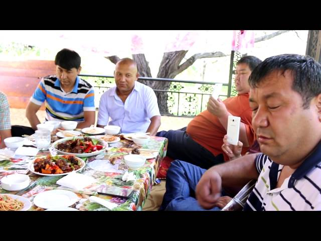 Uyghur naxsha muzikiliri - Ghulja soruni - Parhat Baji qatarliqlar