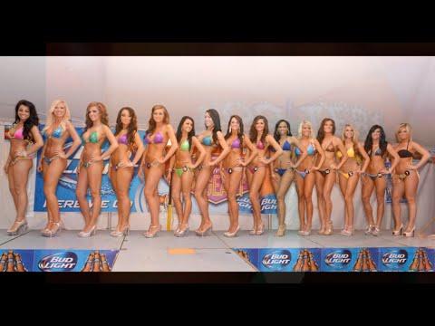 2013 St Louis Hooters Bikini Contest