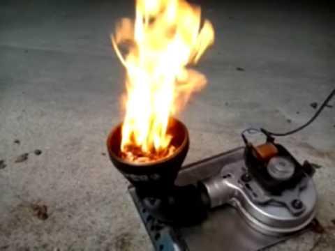 Braciere per pellet mais youtube for Vulcano termocamini pellet