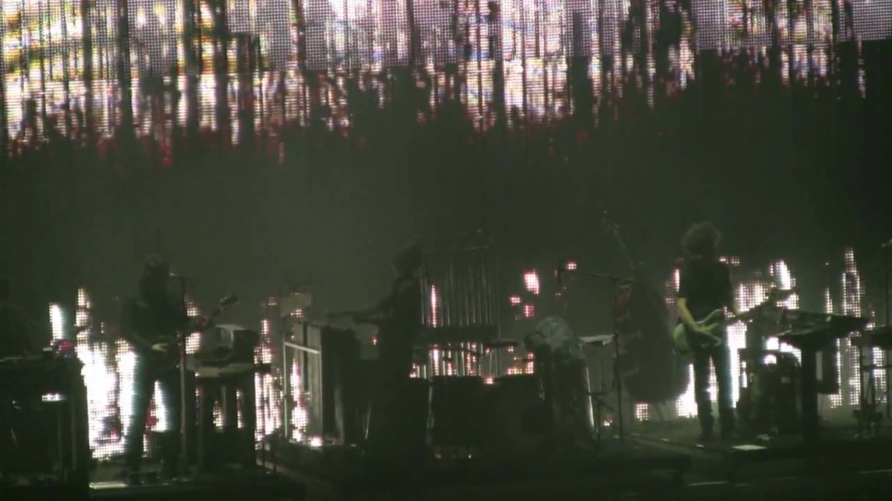 Nine Inch Nails - Ghosts 28 - Live in St Louis - 8.20.08 - YouTube