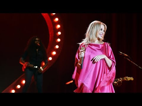 Kylie Minogue - Can't Get You Out Of My Head / The Chain (Radio 2 Live in Hyde Park)