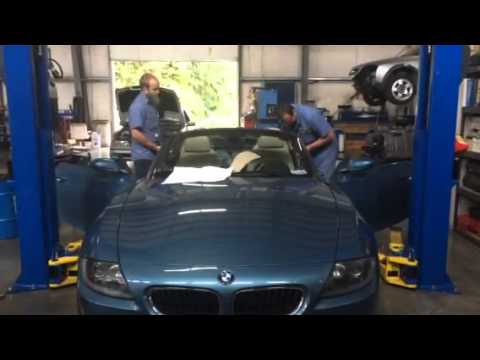 Final step of removing the convertible top from a 2005 BMW Z4 - YouTube