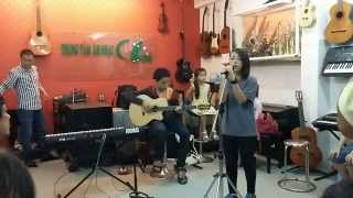 04. Safe And Sound (guitar đệm hát) - Minh vs Quỳnh [Trung thu 2014]