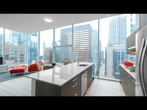 An 06-tier 2-bedroom, 2-bath model at Streeterville