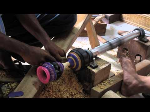 How Maldivian Liyelaa / Lacquerwork is made - Manual method