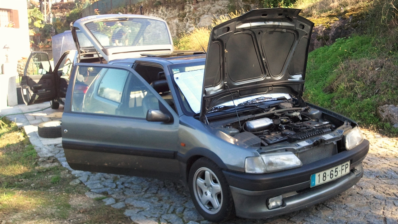 Peugeot 106 xsi 1 3 cold start youtube for Interieur 106 xsi