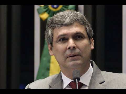 Para Lindbergh Farias, piora da vida da população hoje vai garantir votos a Lula em 2018