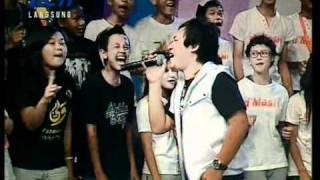 WALI - Aku Bukan Bang Toyib performed di DAHSYAT Episode 1000 (Courtesy RCTI)