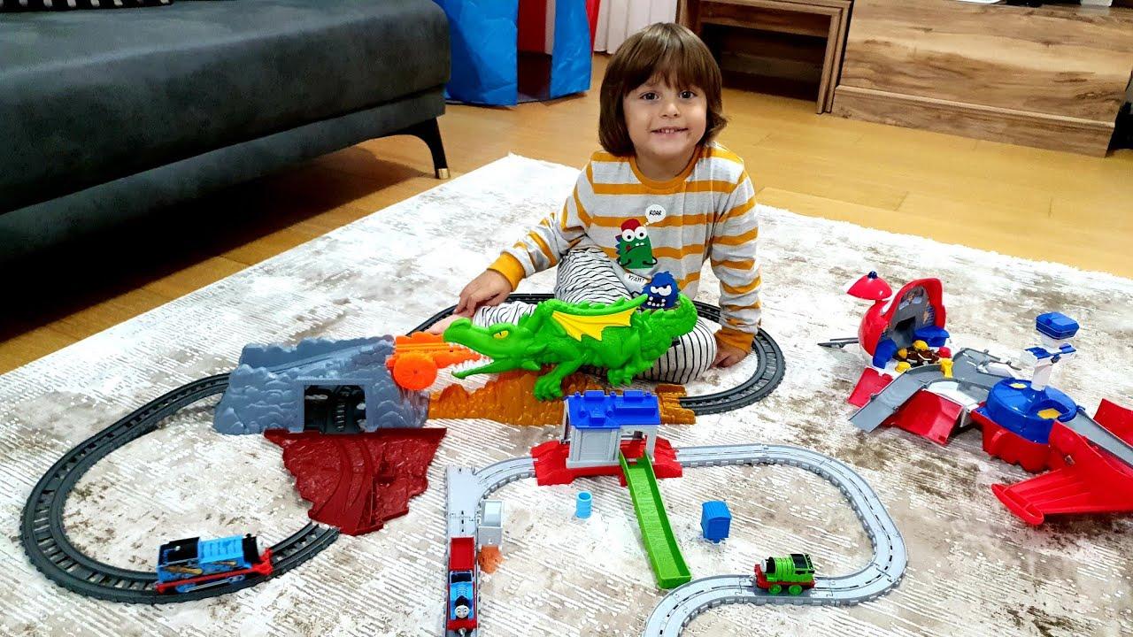 Fatih Selim'in Thomas tren setlerini kurduk,Thomas ve Friends Trackmaster Ejderha Macerası Oyun Seti