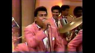 Jochy Hernandez - Colgando del hilito canta Hans Peralta