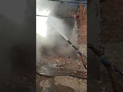 Fire in Kanpur in threading factory