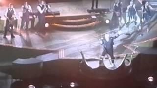 Hey Wow Yeah Yeah - Let Me Entertain You - Robbie Williams live in Milan HD