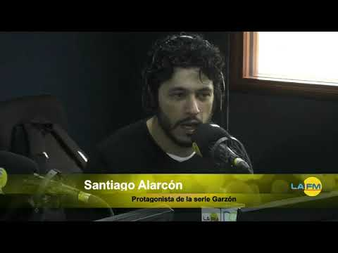 Jaime Garzón, en la serie tenía que morir riendo - Santiago Alarcón en La FM