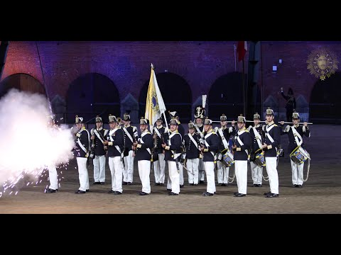 Musketeers of the Royal Life Guards Regiment and Swedish Royal Navy Band(@ Hamina Tattoo 2016-08-06)