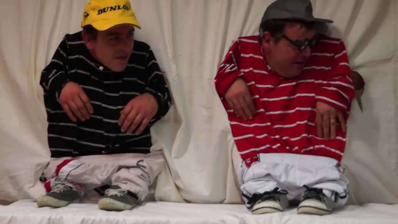 Jeux des nains bonne partie de fou rire nvg youtube for Maison des 7 nains