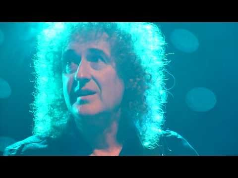 Brian May playing the guitar solo of Don't Stop Me Now at the Eddy Christiani Award 23-04-2011