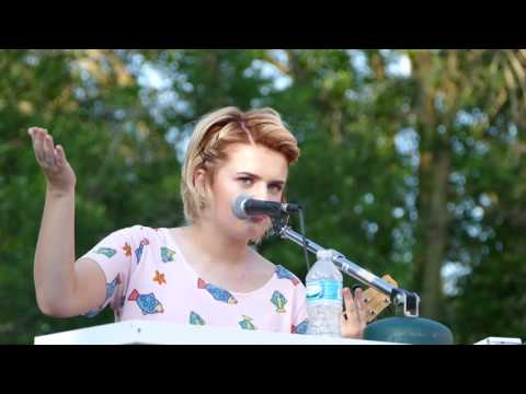 Maddie Poppe performs