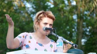 "Maddie Poppe performs ""The Reason"" RAGBRAI 2017"
