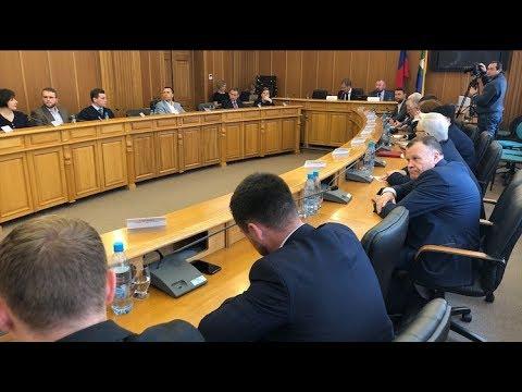 Депутаты гордумы Екатеринбурга решают, что делать с проблемой сквера
