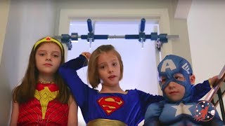 Little Superheroes - Gorilla Gym with Hulk, Captain America, Supergirl and Wonder Woman