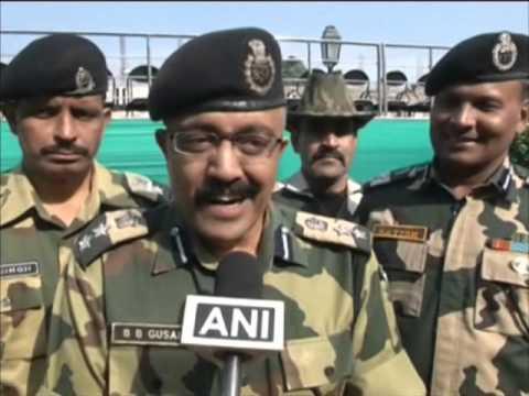 Indian and Pakistani border guards exchange sweets on Diwali