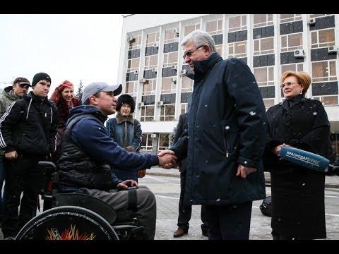 Краснодарскому клубу инвалидов Искра подарили микроавтобус