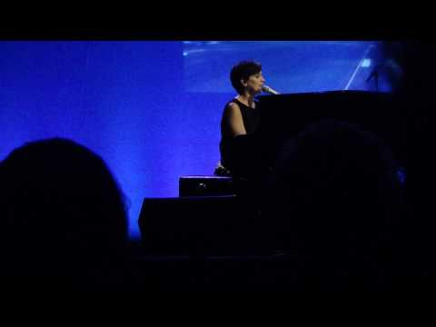 Chantal Kreviazuk - Leaving On A Jet Plane - Olympia - Montreal - February 5th 2010