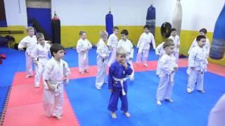 Киокусинкай карате  Клуб  КАСКАД  Детская тренировка маленькие каратисты