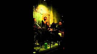 Tôn Cafe - Khuôn Mặt Đáng Thương (Acoustic Cover)