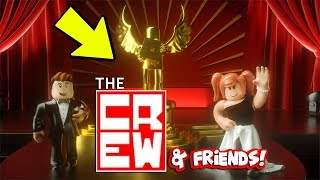 SIT WITH THE CREW AND FRIENDS! *Bloxy Awards*