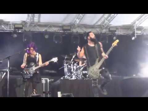 Skillet The Resistance Live Lyrics (Unleashed Tour Version)