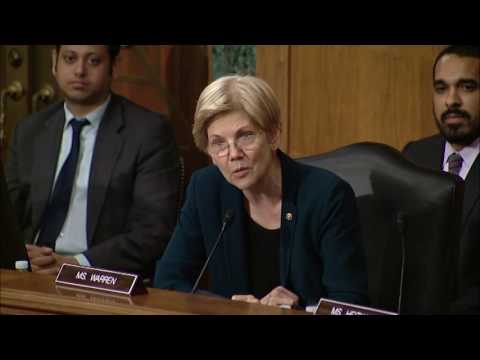 Senator Elizabeth Warren questions Wells Fargo CEO John Stumpf at Banking Committee Hearing