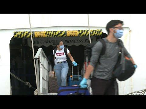 "afpes: ""Fue muy estresante"", dicen tripulantes de crucero al llegar a Panamá | AFP"