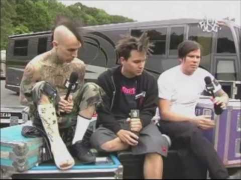 blink-182 talking about Warped Tour [2004]