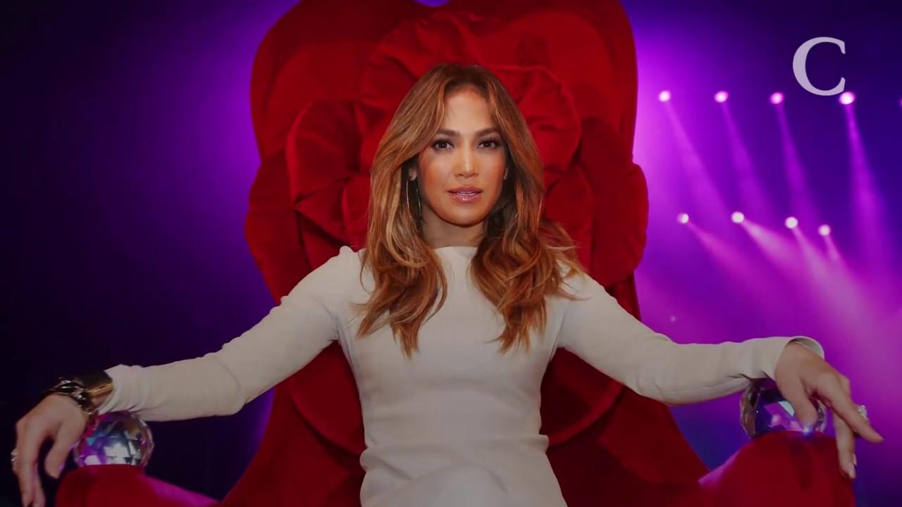 0667606aa5c Jennifer Lopez fête son anniversaire dans une robe (ultra) transparente